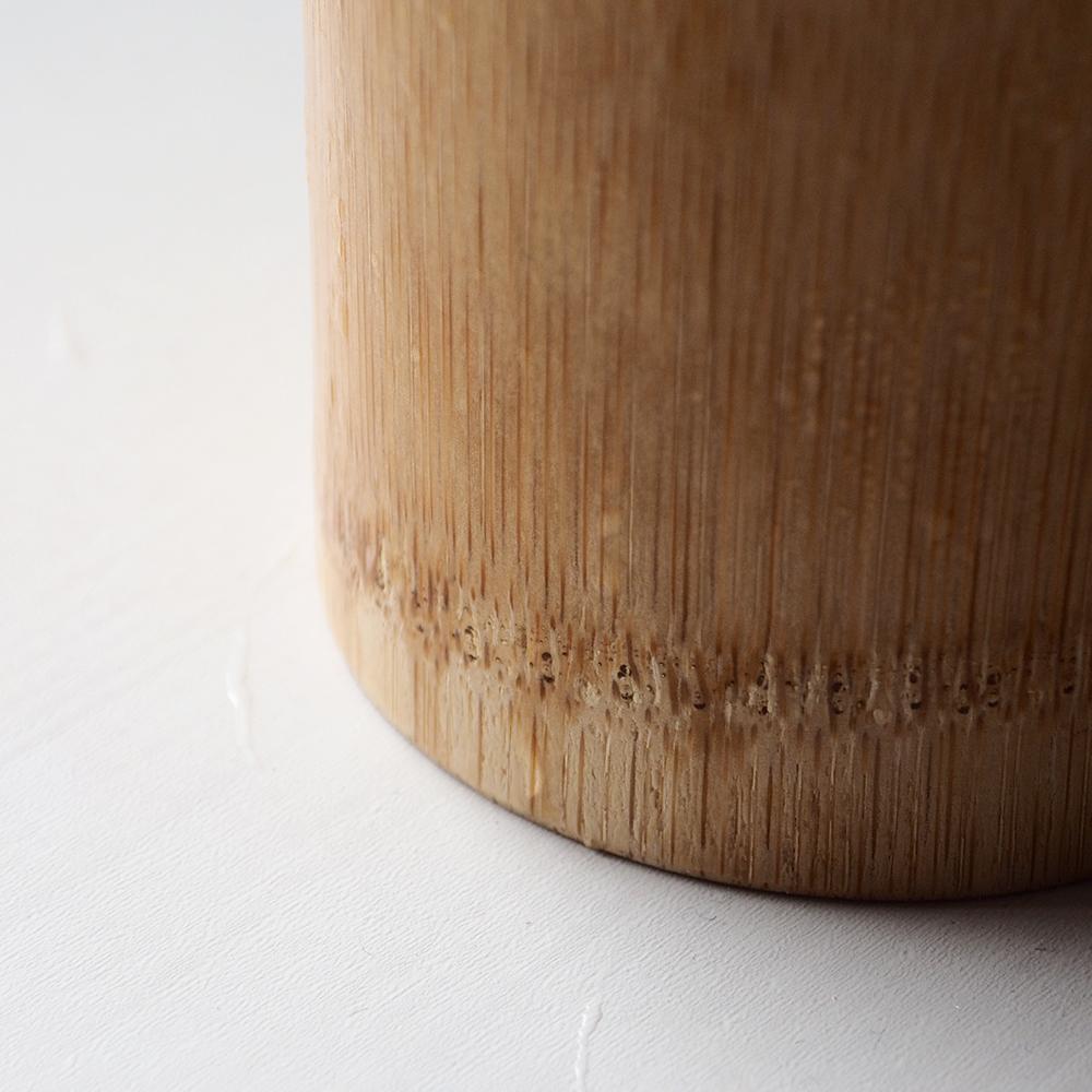 竹製のカップ、素材感